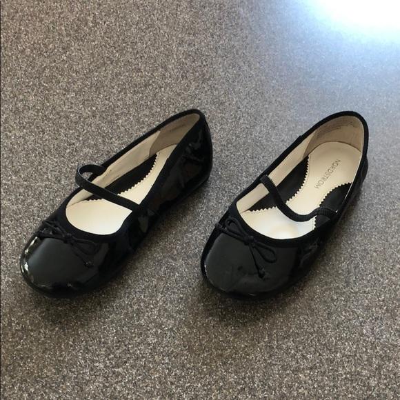 9f44219b2d5 Girls Nordstrom ballet slippers size 9 1 2 medium. Nordstrom.  M 5ab3ccd76bf5a6d841678176. M 5ab3ccdd2ae12f7ccbdea1f7.  M 5ab3cce28df470d5dfc9749e